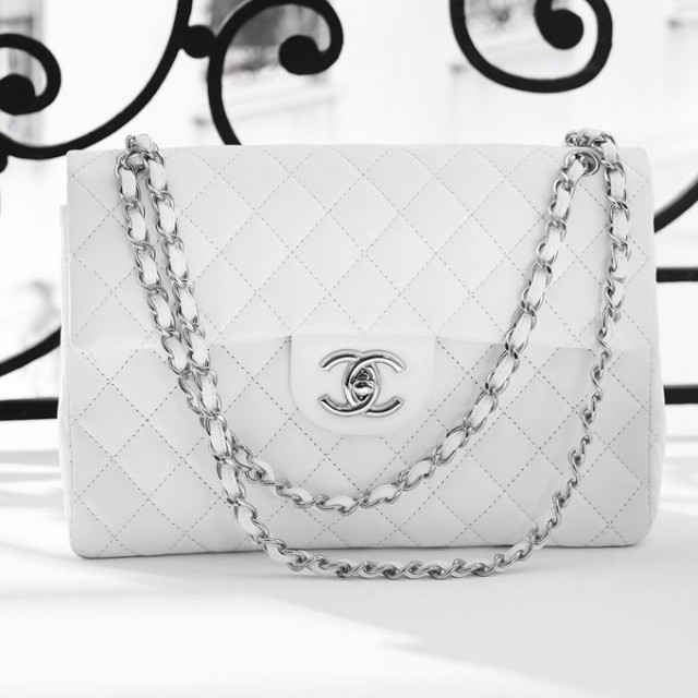 Young Women and Expensive Purses - Mindthis c0918500cd