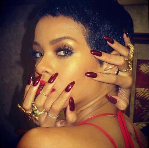 Rihanna Long Nails 2014