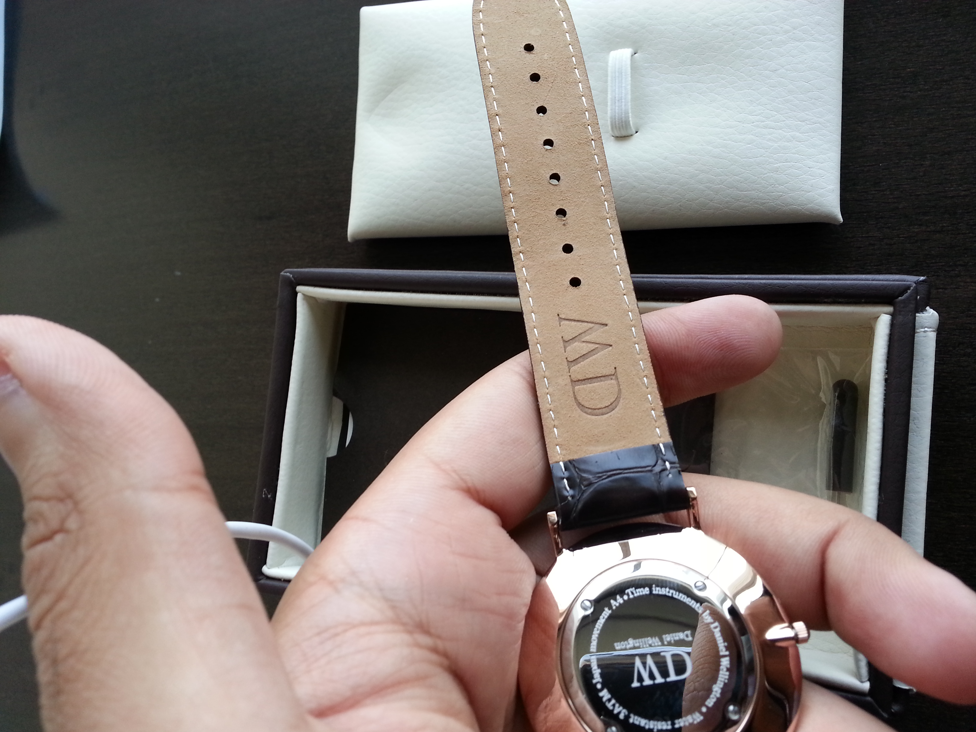 how to clean your nato strap for daniel wellington